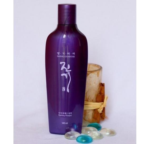 Восстанавливающий шампунь от выпадения волос Daeng Gi Meo Ri Vitalizing Shampoo 145 мл