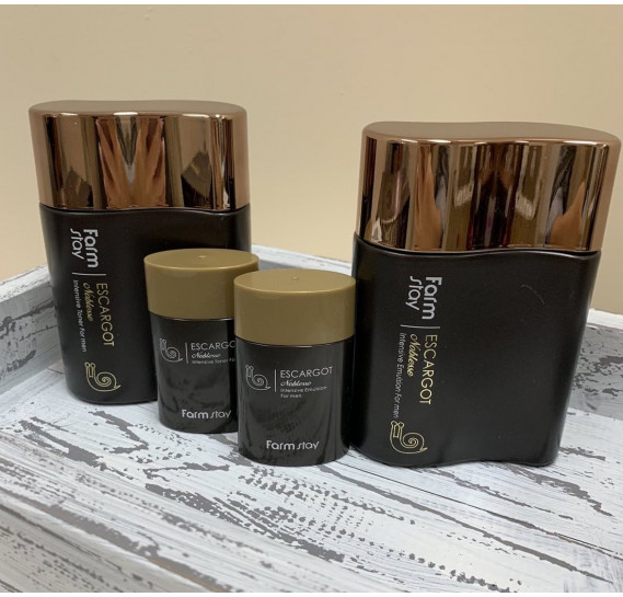 Мужской набор по уходу за кожей лица с экстрактом улитки FARMSTAY ESCARGOT NOBLESSE INTENSIVE SKIN CARE 2 SET - 4 предмета 150 мл + 150 мл + 30 мл + 30 мл