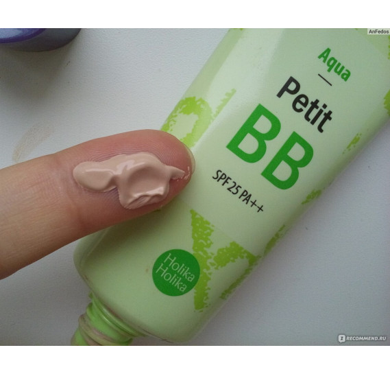 Освежающий BB-крем с экстрактом зеленого чая Holika Holika Petit BB Aqua HOLIKA HOLIKA 30 мл